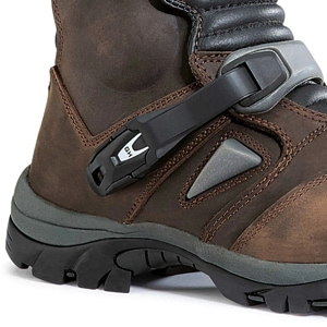 Forma Adventure Low Boots side